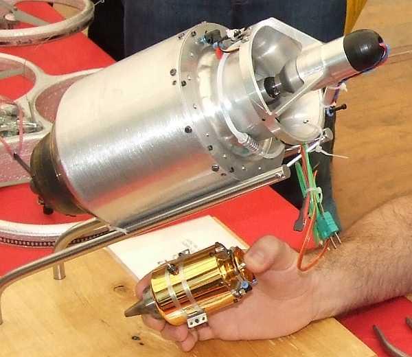 Модель турбореактивного двигателя своими руками 37
